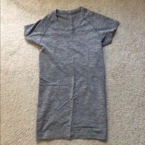 EUC Lululemon Swiftly Shirt